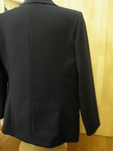 女子制服背面
